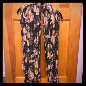 H&M Navy Blue and Cream Floral Print Scarf
